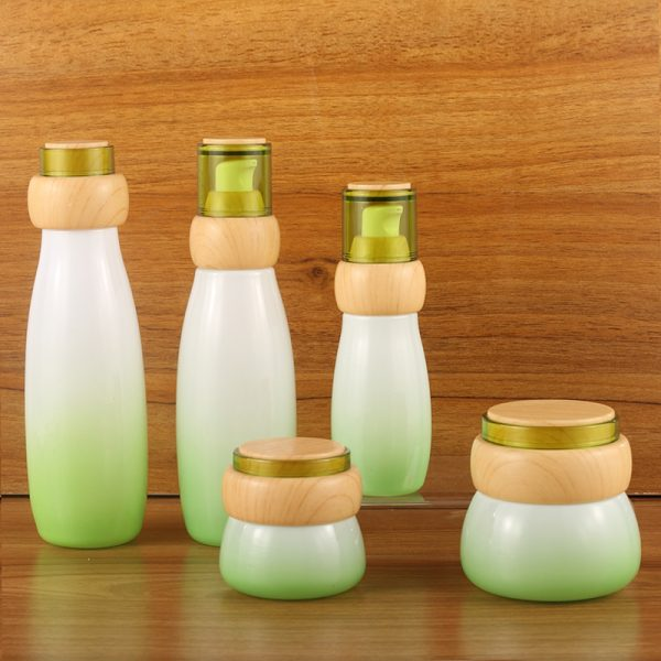China Wholesale eco friendly gold pink bottle cosmetic packaging set